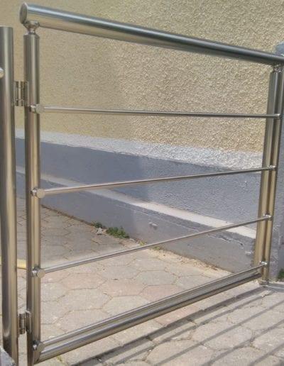 dvorišna vrata izrada dvorišnih vrata alumix zagreb dvorišna vrata izrada montiranje vrata nova